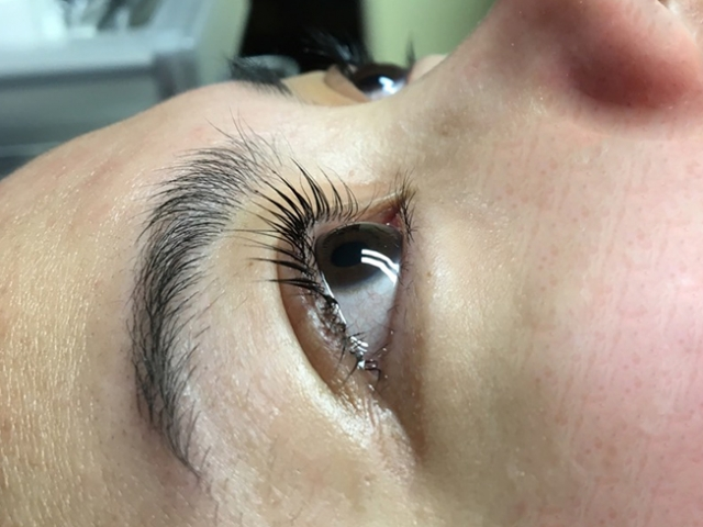 YUMI Lash lift. Side view. Both eyes.