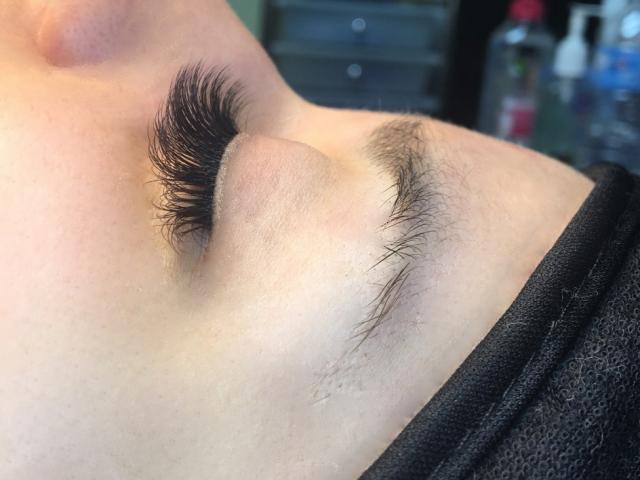 3D Volume eyelashe extensions. Sofia Lashes.