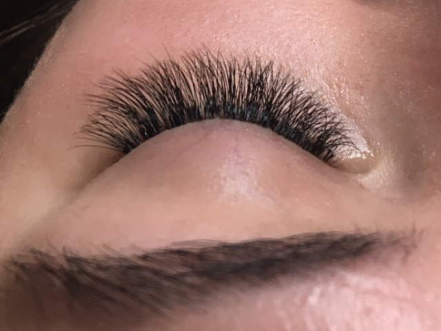 "=""3D Volume eyelash extensions"""