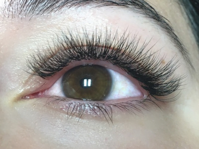 "alt=""3D Volume lashes"""