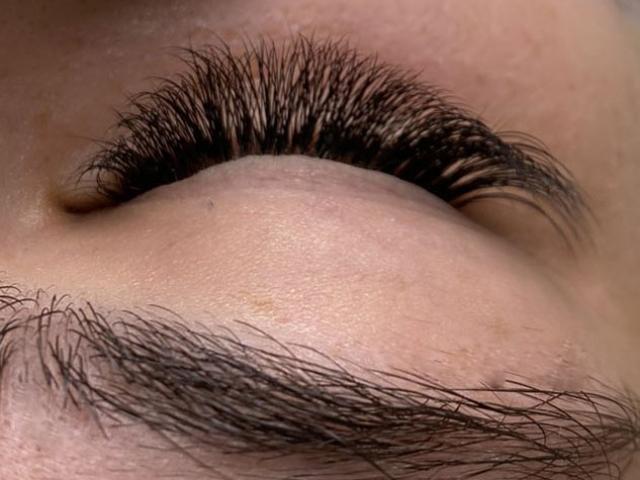 """alt=""""3D Volume eyelash extensions"""""""