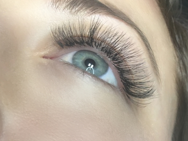 "alt=""4D Volume lashes"""