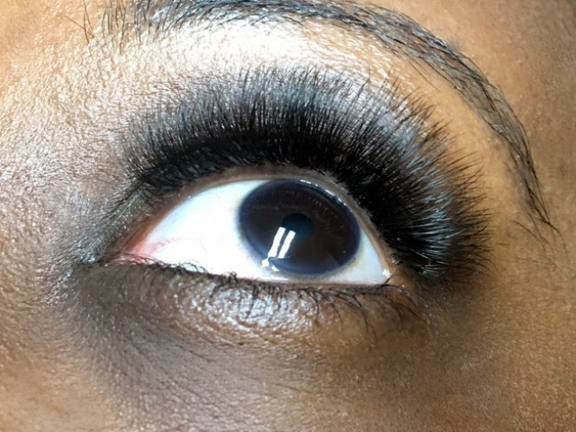 "alt=""5D Volume eyelash extensions"""