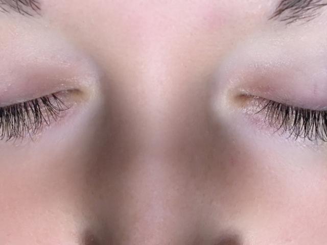 Hybrid eyelash extensions by Sofia Lashes. $120 full set.