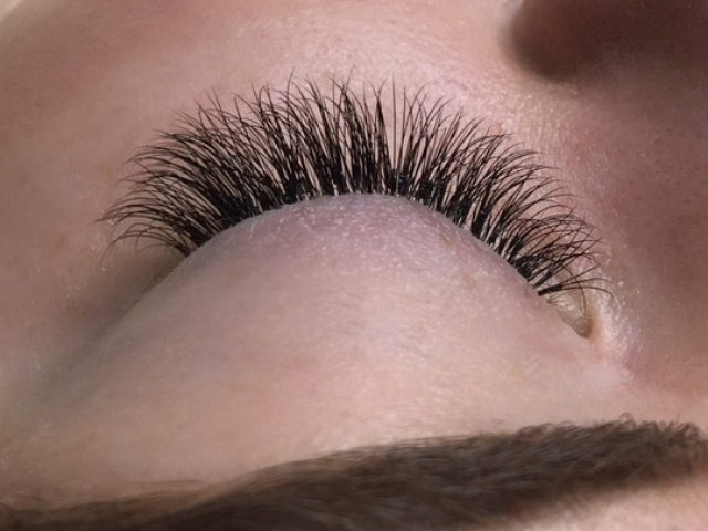 """alt=""""Hybrid eyelashes"""""""