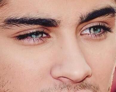 """alt=""""men eyelashes"""""""